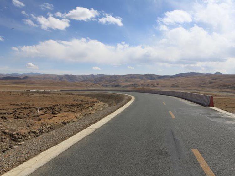 西藏自驾游说走就走  除了四驱还需什么?