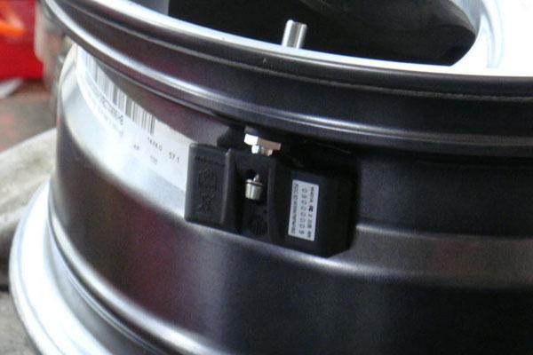内置式胎压监测-1.jpg